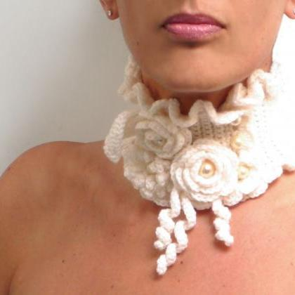 Crochet Scarf Necklace with Flowers..