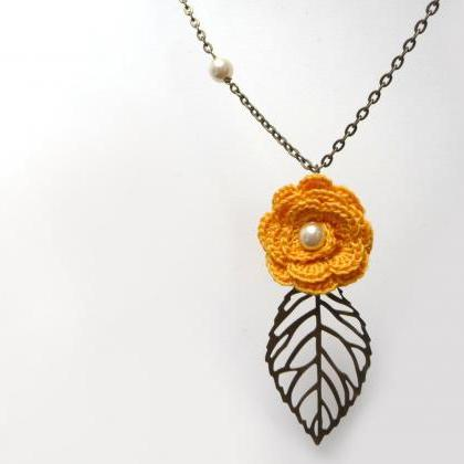 Crochet Flower Necklace with Brass ..