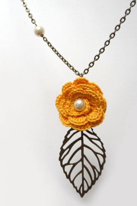 Crochet Flower Necklace with Brass Chain and Leaf Charm, Yellow or Custom Color Cotton, Flower Lovers and Best Friend Gift, Summer Necklace