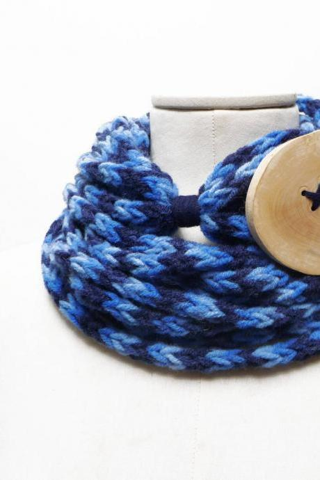 Loop Scarf Necklace, Infinity Scarf, Crochet Chunky Cowl Neckwarmer - blue shaded yarn with extra giant wood button